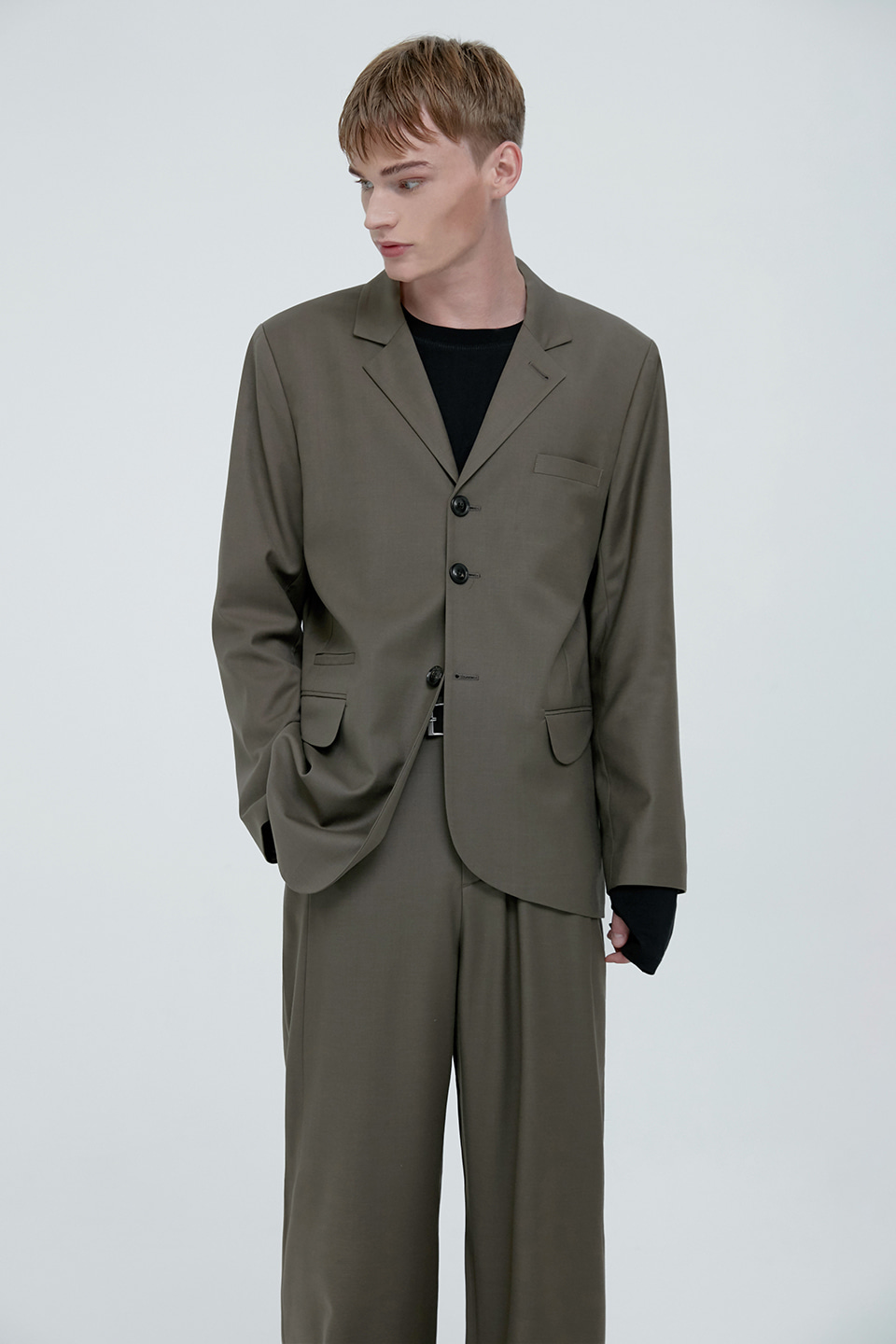 [UNISEX] SIGNATURE WOOL TAILORED BLAZER - KHAKI