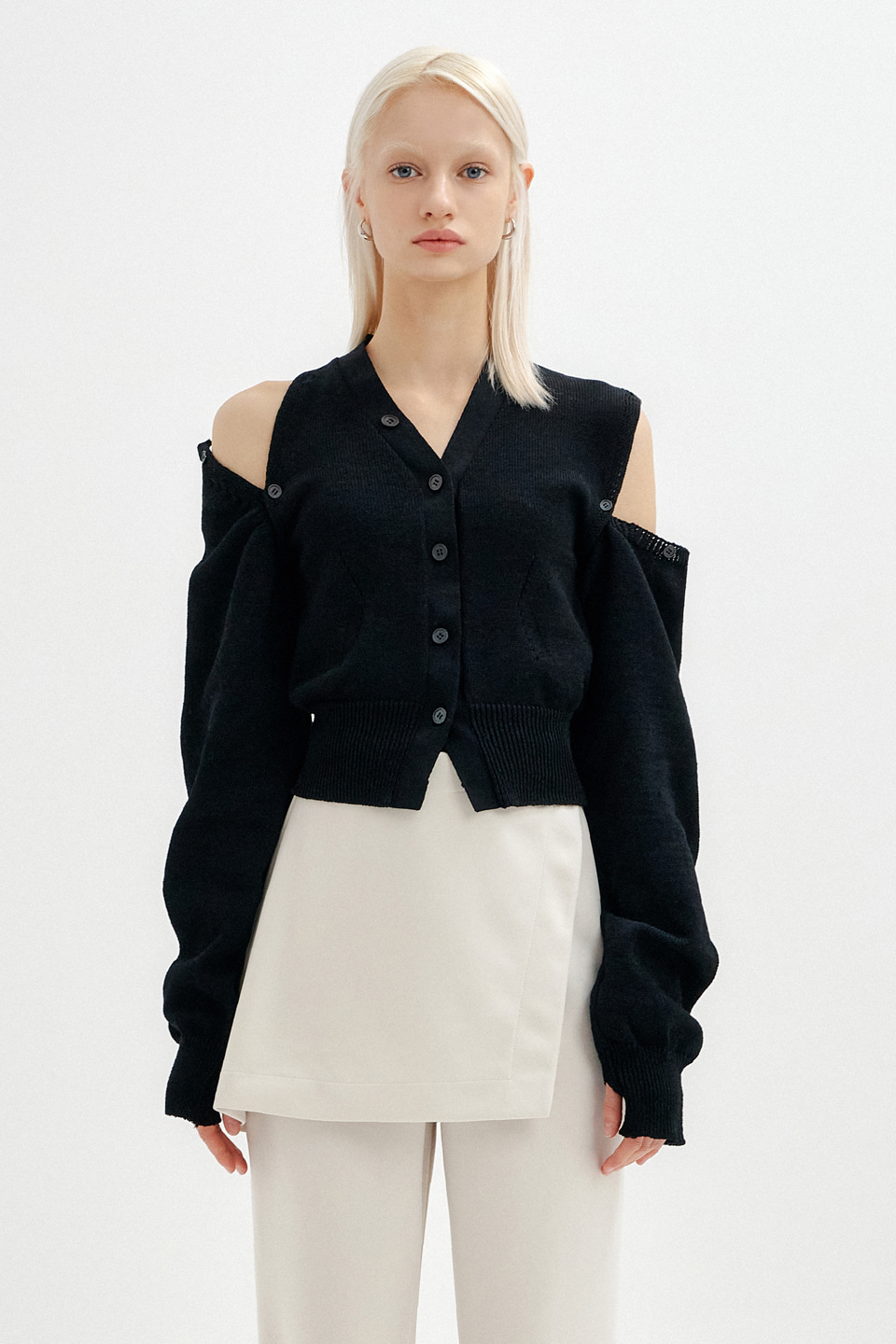 (재입고) UNBALANCE SHOULDER CUT CROP KNIT CARDIGAN - BLACK