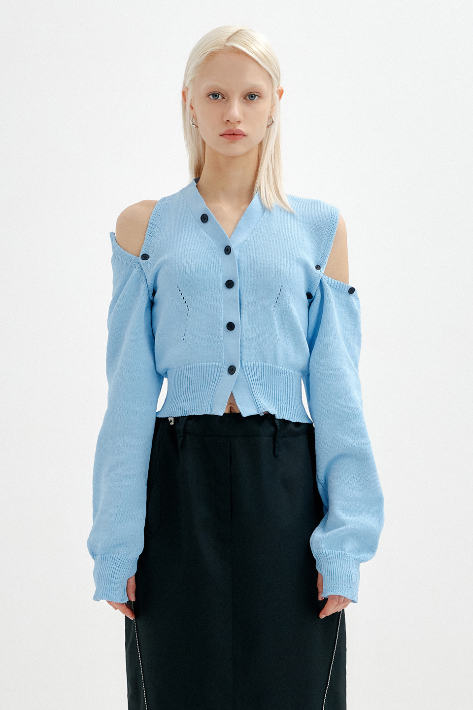 (재입고) UNBALANCE SHOULDER CUT CROP KNIT CARDIGAN - SKY BLUE