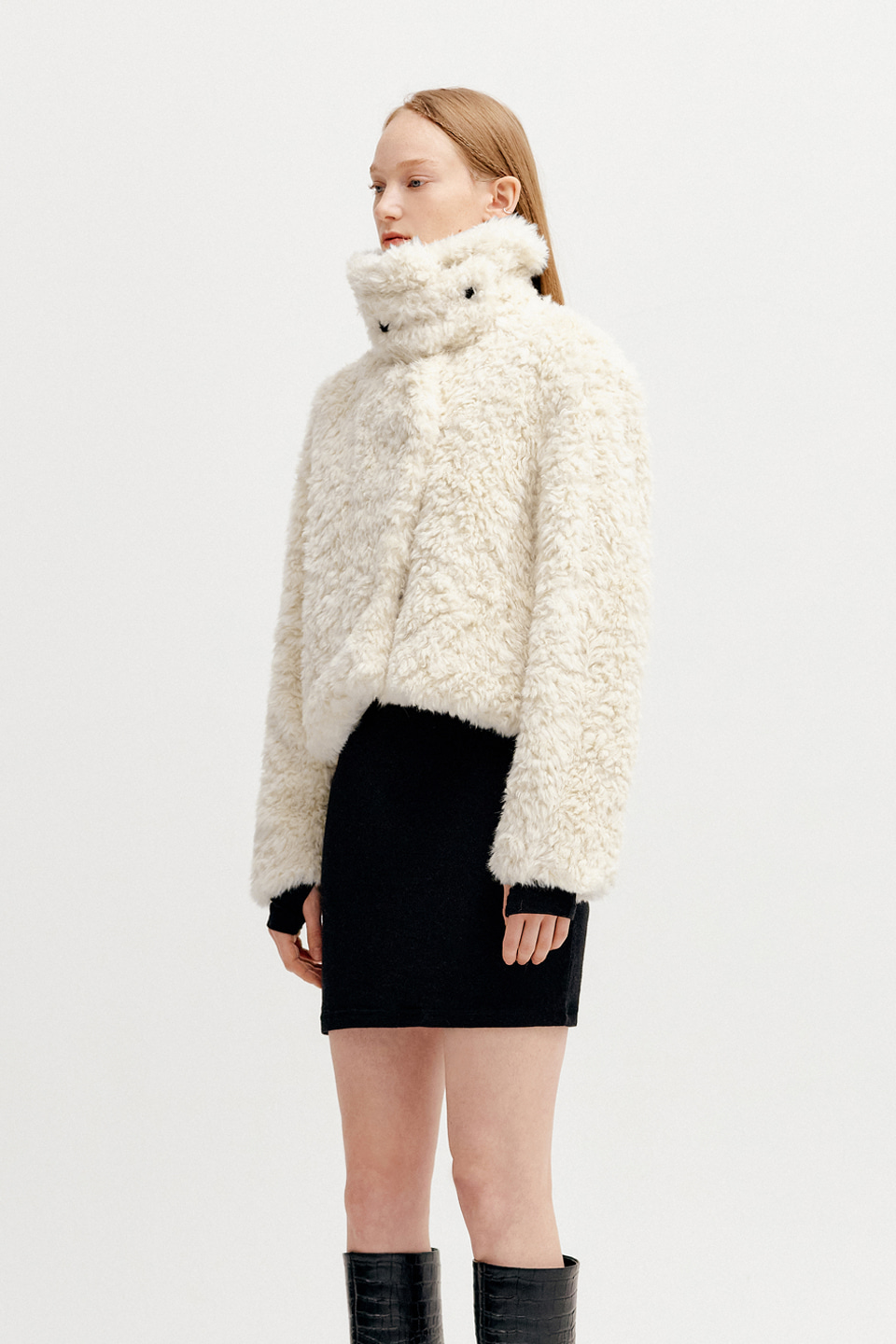 DETACHABLE COLLAR FUR SHORT JACKET - CREAM