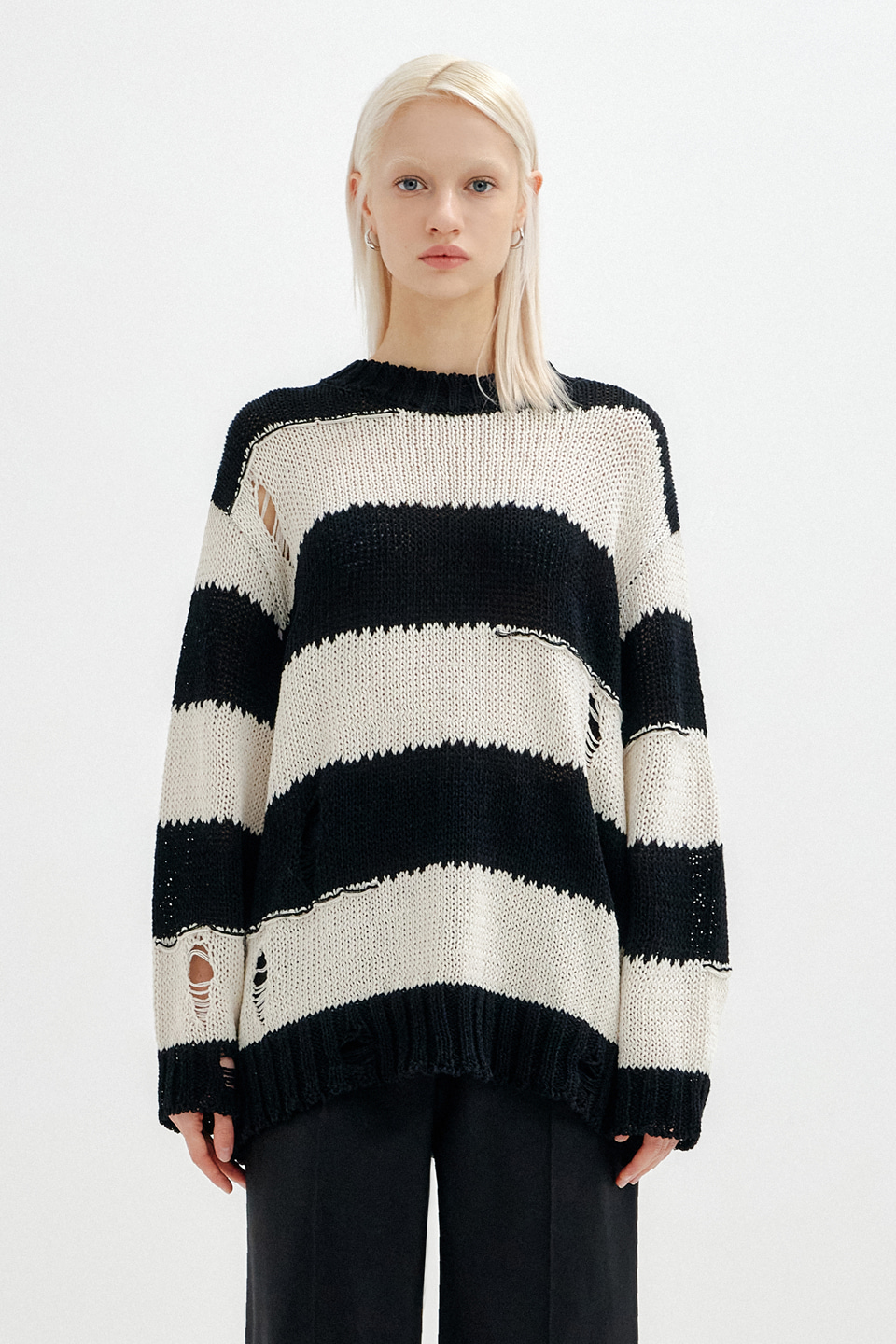 [UNISEX] VINTAGE CUT STRIPE KNIT TOP - BLACK